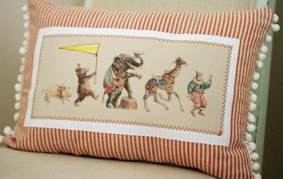 vintage-circus-pillow